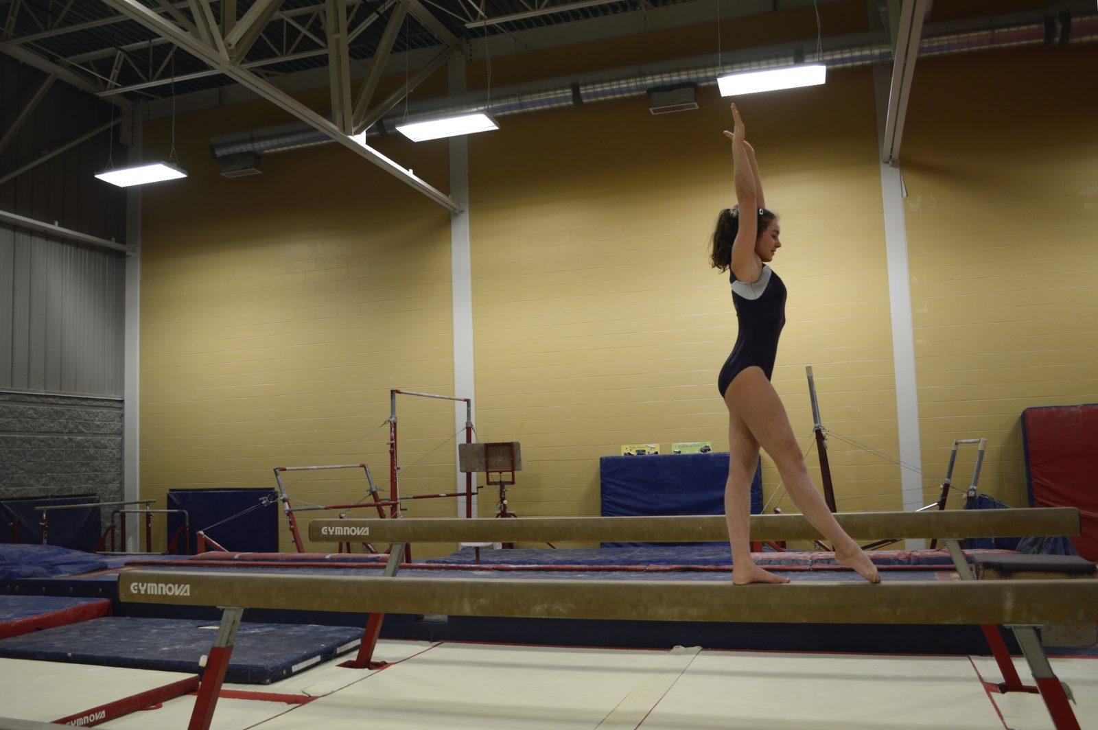 gymnastique r cr ative 6 14 ans gym trm club de gymnastique trois rivi res. Black Bedroom Furniture Sets. Home Design Ideas